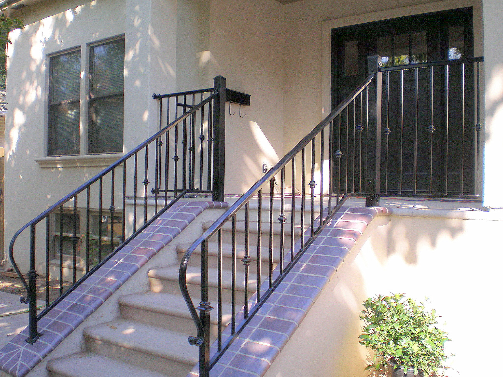 Twisted metal of sacramento for Front balcony railing